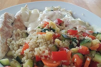 Quinoa mit Gemüse und Hähnchen