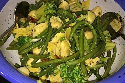 Brokkoli-Bohnen-Artischocken-Salat 1