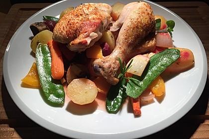 Ofen-Hähnchen auf Gemüsebett