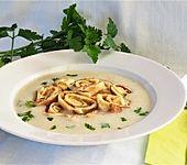 Rahmsuppe mit Fritatten (Bild)
