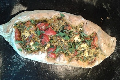 Pide mit Spinat, Schafskäse und Ei 19