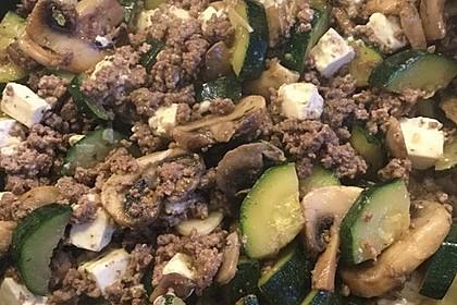 Zucchini-Hack-Pfanne mit Feta 1
