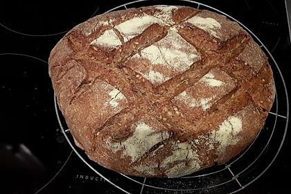 Sauerteig-Roggen-Weizen-Mischbrot im Topf gebacken 3
