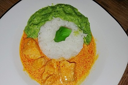 Lachs in Curry-Kokos-Soße mit Brokkolipüree 22