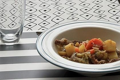 Kartoffelsuppe mit Rindfleischstreifen (Bild)