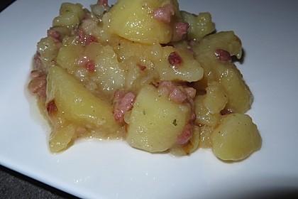 Kartoffelsalat mit Speck-Dressing