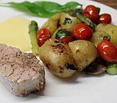 Schweinefilet mit grünem Spargel und Kartoffeln (Bild)