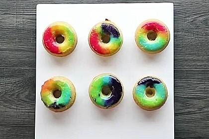 Glasierte Regenbogen-Donuts