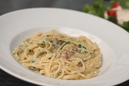 Spaghetti in Schinken-Sahne-Soße
