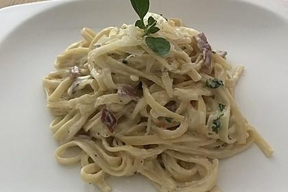 Spaghetti in Schinken-Sahne-Soße 42