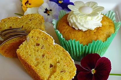Dinkel-Buttermilch-Muffins mit Karotte und Banane