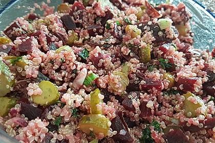 Quinoasalat mit Rote Bete und Gewürzgurken 1