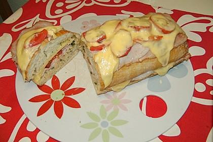 Ciabatta mit Schinken, Käse und Tomaten überbacken