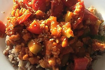 Vegane Zucchini-Paprika-Reispfanne