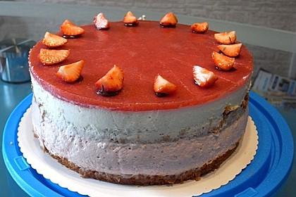Urmelis Erdbeermousse-Torte mit Schmand