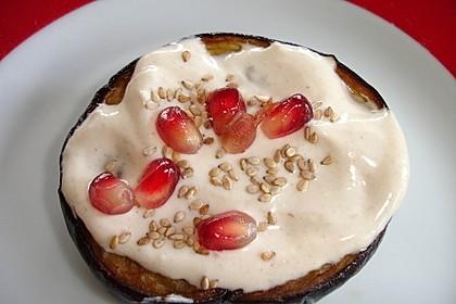 Gebackene Auberginen mit Tahin-Joghurt
