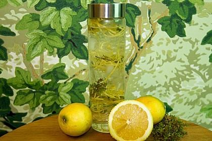 Zitronen-Thymian-Wasser