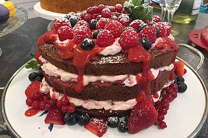 Naked Cake Beerentorte 2