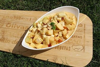 Kohlrabi-Apfel-Salat mit Curry-Dressing