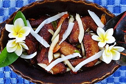 "Spicy Chicken-Wings_asam_manis ala ""Lotus Garden"""