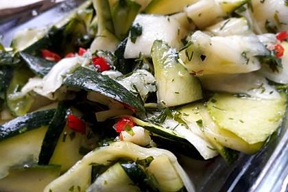 Schnelle marinierte Zucchini 1