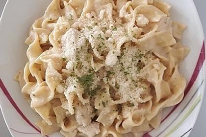 Nudeln mit Parmesan-Hähnchen (Bild)