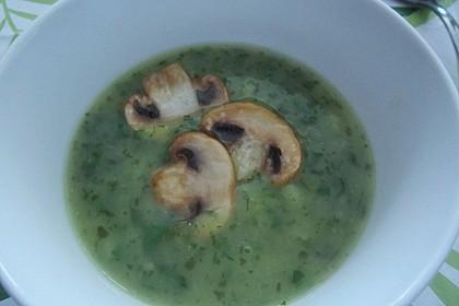Petersilien-Kartoffel-Suppe mit gebratenen Champignons 7