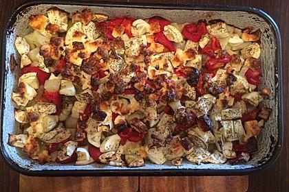 Sommerlicher Kartoffel-Zucchini-Paprika-Auflauf mit Feta 2