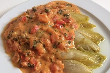 Gekochter Chicoree mit Tomaten-Senf-Meerrettich-Soße 1