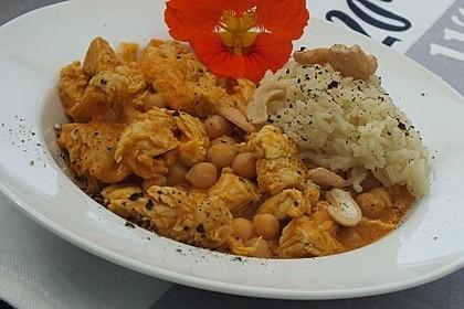 Hähnchencurry mit Cashewkernen und Kichererbsen