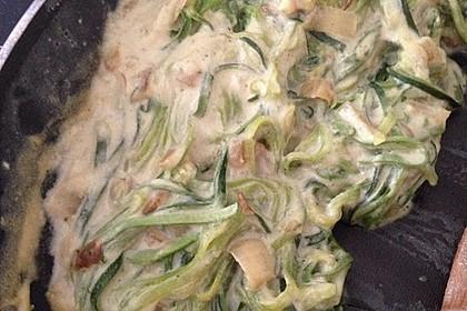 Zoodels - Zucchinispaghetti in St. Agur-Rahm