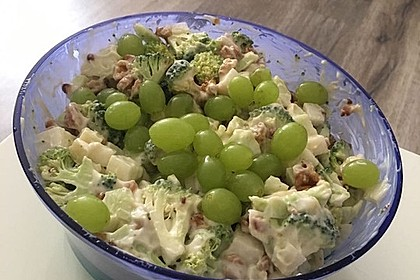 Roher Brokkoli-Kohlrabi-Salat