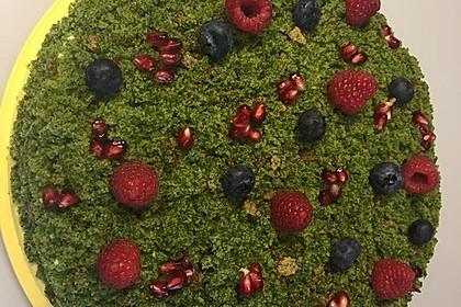Moostorte mit Beeren (Bild)