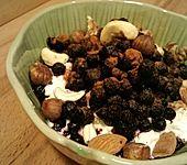 Nussig fruchtiges Hüttenkäse Frühstück (Bild)