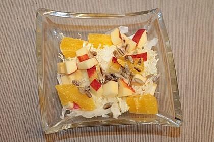 Chinakohl-Salat mit Orange und Apfel