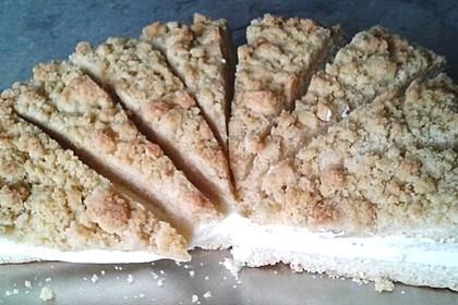 Streuselkuchen mit Hefeteig und Pudding 1