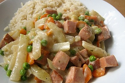 Kohlrabi - Topf mit Fleischwurst