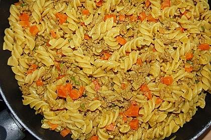 Curryrahmnudeln mit Hack 7
