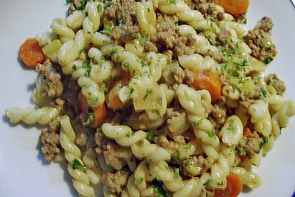 Curryrahmnudeln mit Hack 85