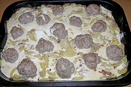Bratwurstbällchen auf Sauerkraut 7
