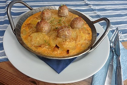 Bratwurstbällchen auf Sauerkraut 8