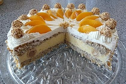 Giotto - Nuss - Torte mit Pfirsichen 12