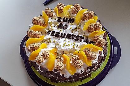 Giotto - Nuss - Torte mit Pfirsichen