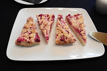 Zwetschgen-Streuselkuchen mit Pudding (Bild)