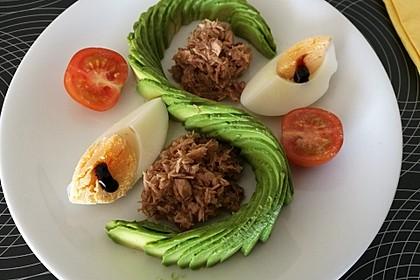 Schnelle Vorspeise mit Avocado und Thon (Bild)