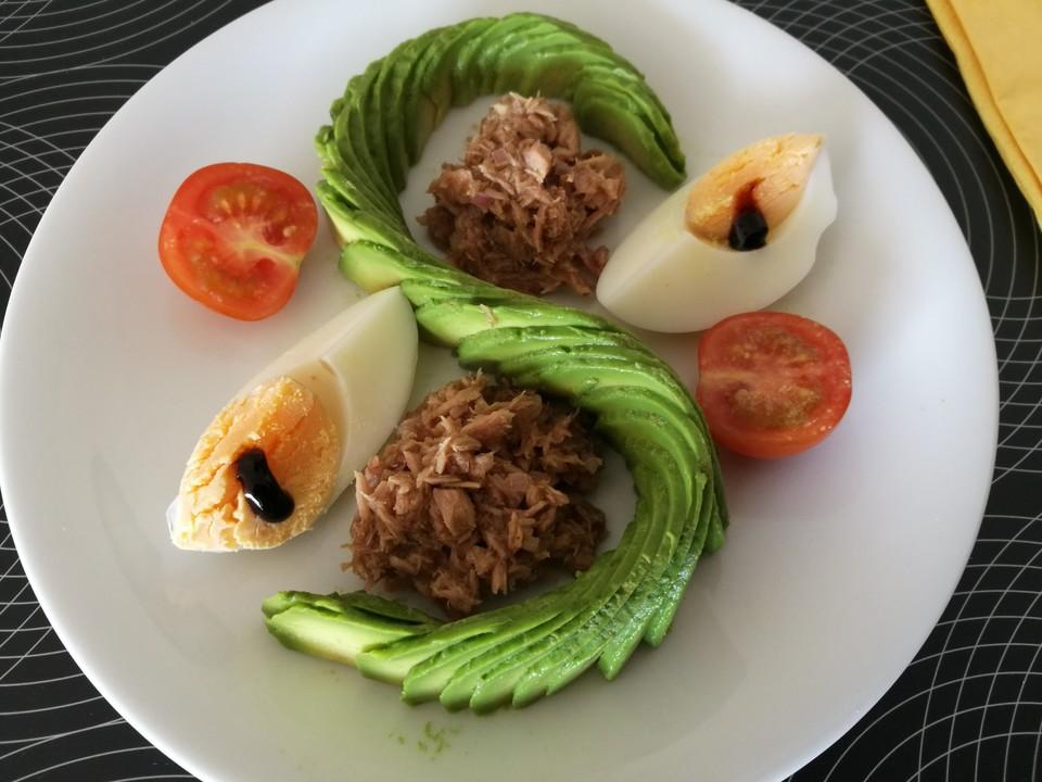 schnelle vorspeise mit avocado und thon von sarmi5614. Black Bedroom Furniture Sets. Home Design Ideas