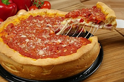 Chicago Style Deep Dish Stuffed Pizza (Bild)
