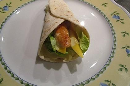 Hähnchen-Wrap mit Mango und Curry-Joghurt 2