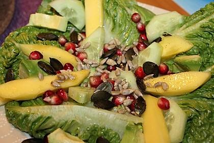 Mango-Avocado-Salat mit Topping