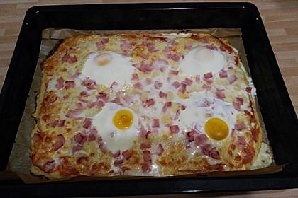 Pizza aus Kloßteig (Bild)